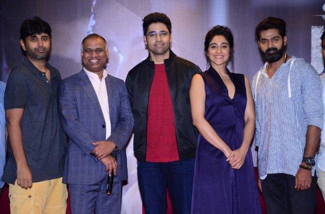 Regina Cassandra 4  starrer Evaru Telugu Movie Press Meet  10